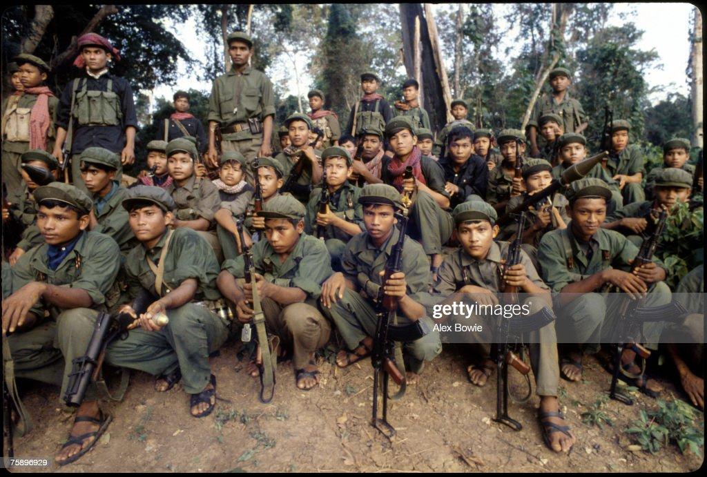 Khmer Rouge Guerrillas : News Photo