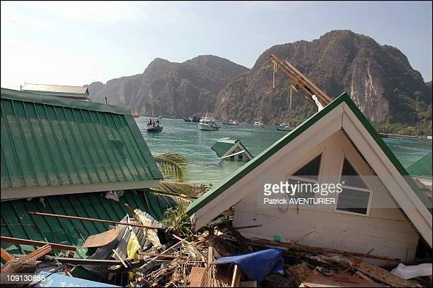 Kho Phi Phi Island Devasted By Tidal Wave That Struck Seven Countries After Powerfull Dec 26 Earthquake Off Sumatra On December 30 2004 In Thailand