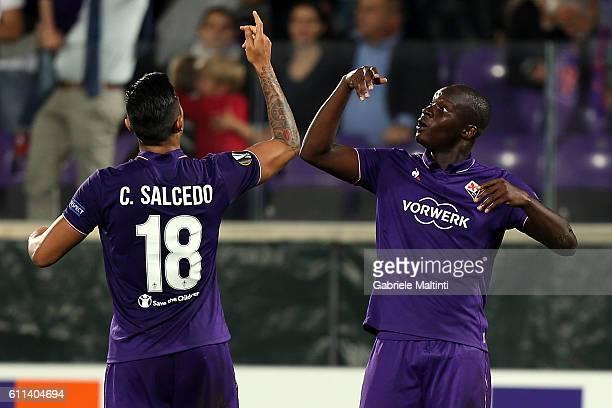 Khouma Babacar of ACF Fiorentina celebrates after scoring a goal during the UEFA Europa League match between ACF Fiorentina and Qarabag FK at Artemio...