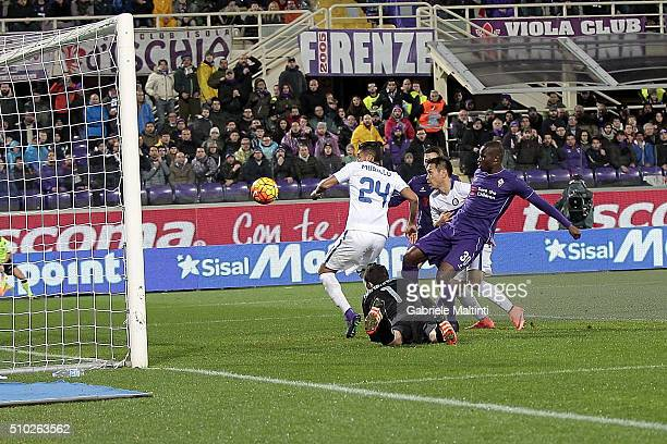 Khouma Babacar of ACF Fiorentina scores a goal during the Serie A match between ACF Fiorentina and FC Internazionale Milano at Stadio Artemio Franchi...