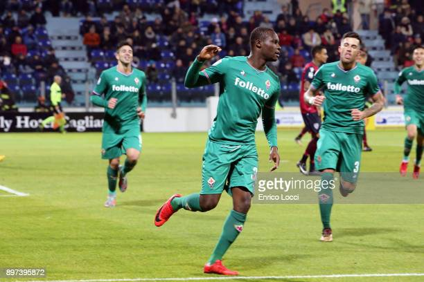 Khouma Babacar of FIorentina celebrates his goal 01 during the serie A match between Cagliari Calcio and ACF Fiorentina at Stadio Sant'Elia on...