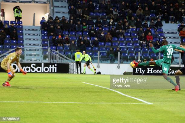 Khouma Babacar of FIorentina scores his goal 01 during the serie A match between Cagliari Calcio and ACF Fiorentina at Stadio Sant'Elia on December...