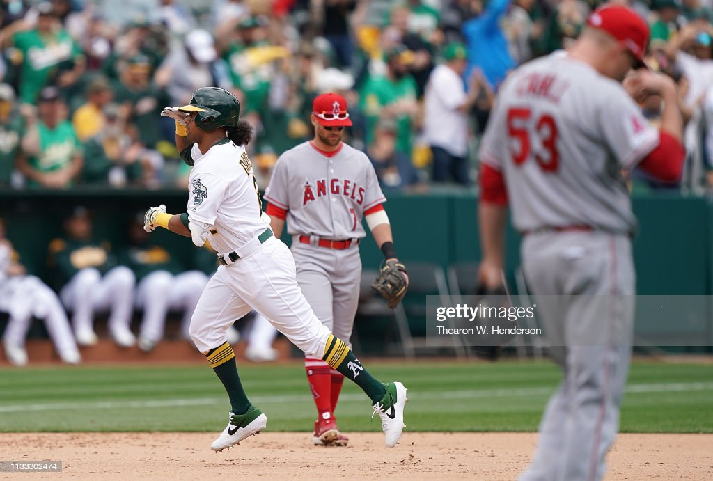 Los Angeles Angels of Anaheim v Oakland Athletics : News Photo