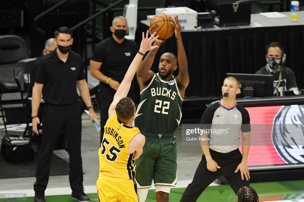 Miami Heat v Milwaukee Bucks - Game One : News Photo
