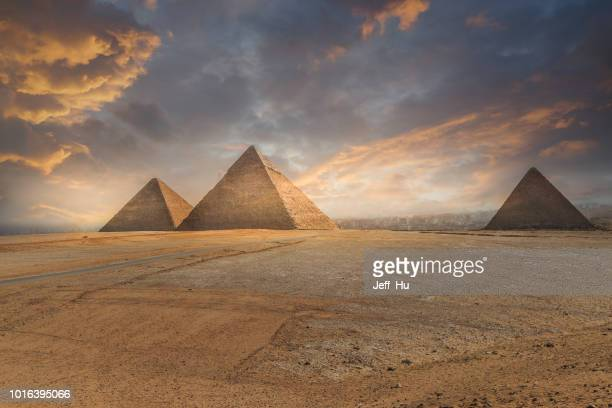 khufu pyramid and empty square , cairo, egypt - pyramid stock pictures, royalty-free photos & images