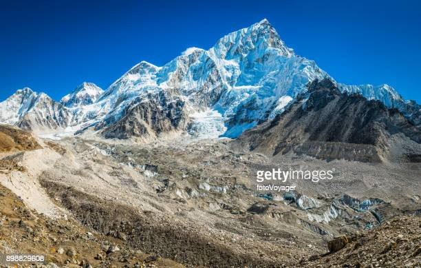 Khumbu gletsjer instorten van Everest Nuptse Himalaya bergen Nepal
