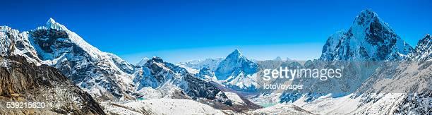 khumbu picos montañosos panorama lobuje ama dablam cholatse himalaya nepal - himalaya fotografías e imágenes de stock
