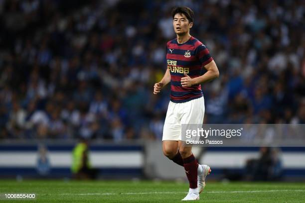 Ki Sungyeung of Newcastle in action during the preseason friendly match between FC Porto and Newcastle at Estádio do Drago on July 28 2018 in Porto...