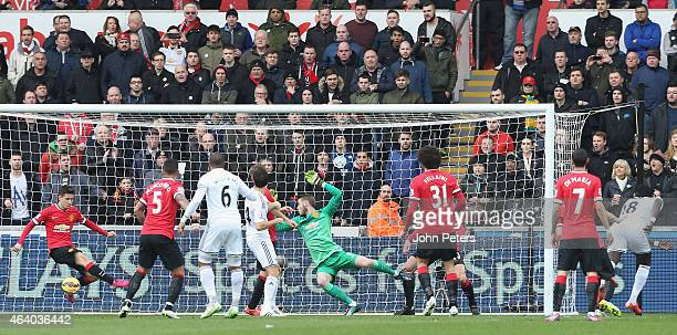 Ki SungYeung of Swansea City scores their first goal the Barclays Premier League match between Swansea City and Manchester United at Liberty Stadium...
