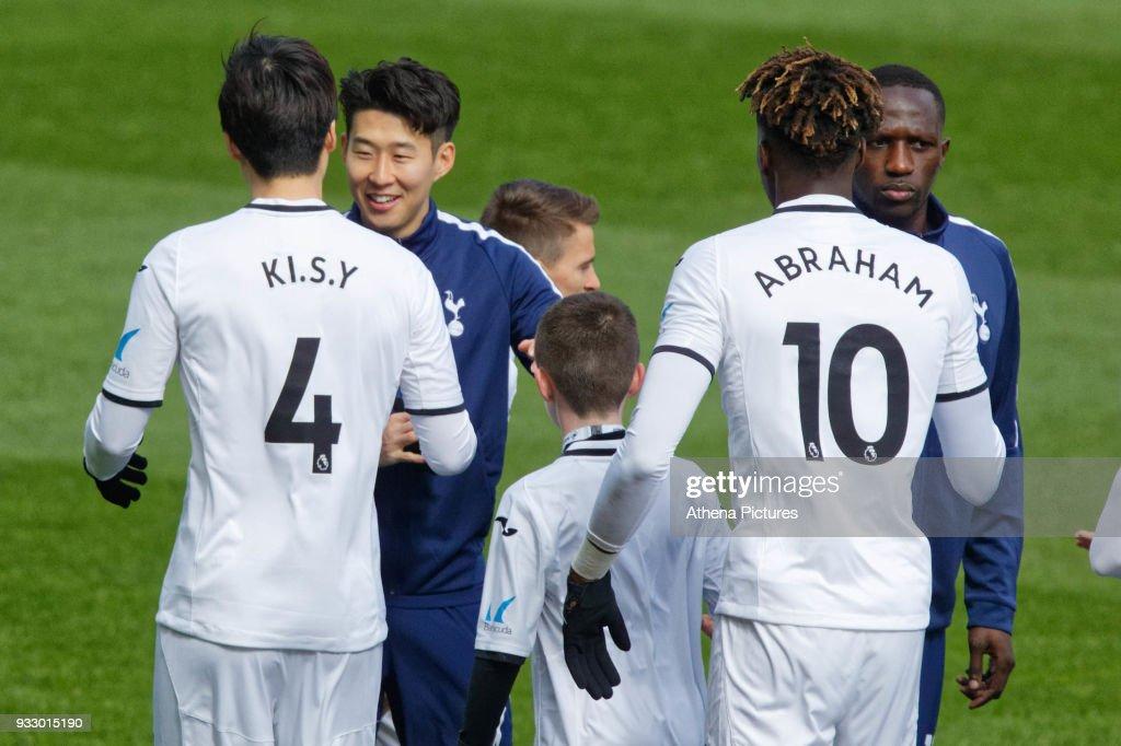 Swansea City v Tottenham Hotspur - The Emirates FA Cup Quarter Final : News Photo