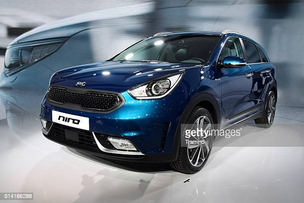 kia niro - hybrid crossover vehicle - kia stock pictures, royalty-free photos & images