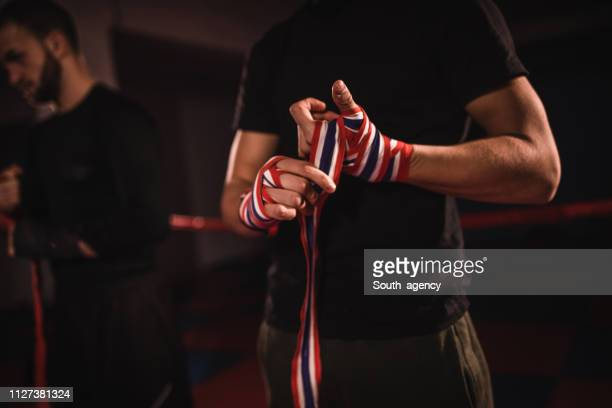 kick boxer - mixed martial arts stock pictures, royalty-free photos & images