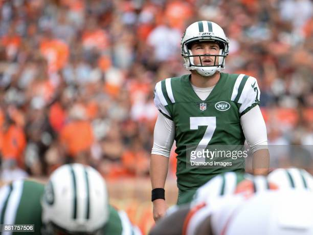 Kicker Chandler Catanzaro of the New York Jets awaits the snap for an extra point in the fourth quarter of a game on October 8 2017 against the...