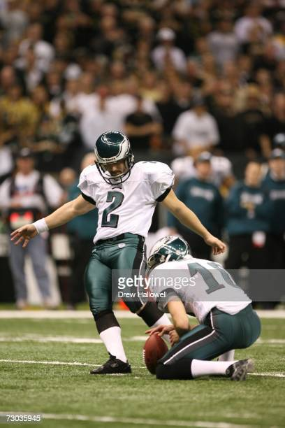 Kicker David Akers of the Philadelphia Eagles kicks a field goal during the game against the New Orleans Saints on January 13 2007 at the Louisiana...