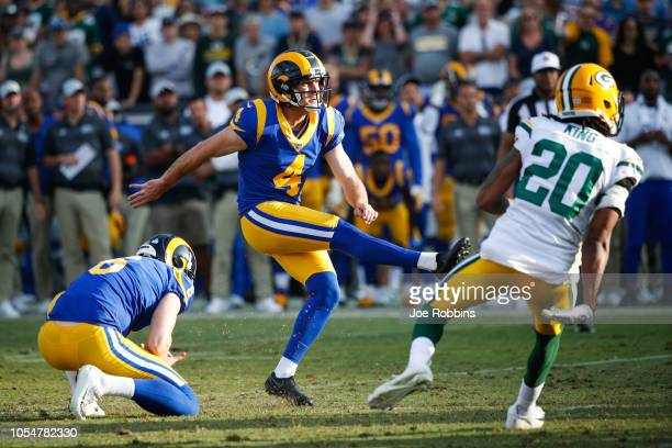 Kicker Greg Zuerlein of the Los Angeles Rams kicks a goahead field goal with two minutes left to take the lead 2927 against the Green Bay Packers at...