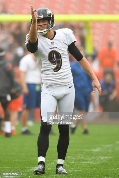 Kicker Justin Tucker of the Baltimore Ravens warms up prior to a game against the Cleveland Browns on October 7 2018 at FirstEnergy Stadium in...