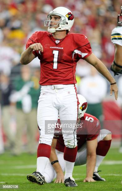 Kicker Neil Rackers of the Arizona Cardinals watches his field goal in the first quarter of the 2010 NFC wild-card playoff game against the Green Bay...