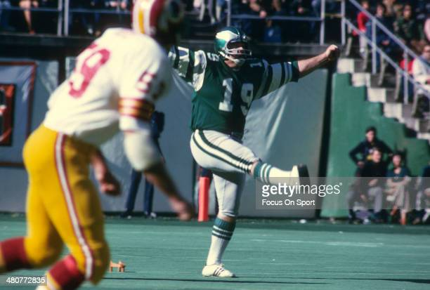 Kicker Tom Dempsey of the Philadelphia Eagles kicks off against the Washington Redskins during an NFL football game at Veterans Stadium November 10...