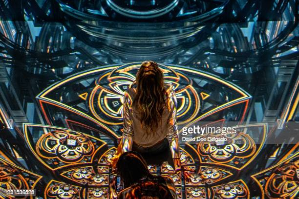 Kicks off its 2021 exhibition season with a collaboration with fractal artist Julius Horsthuis on March 5, 2021 in New York City. The immersive...