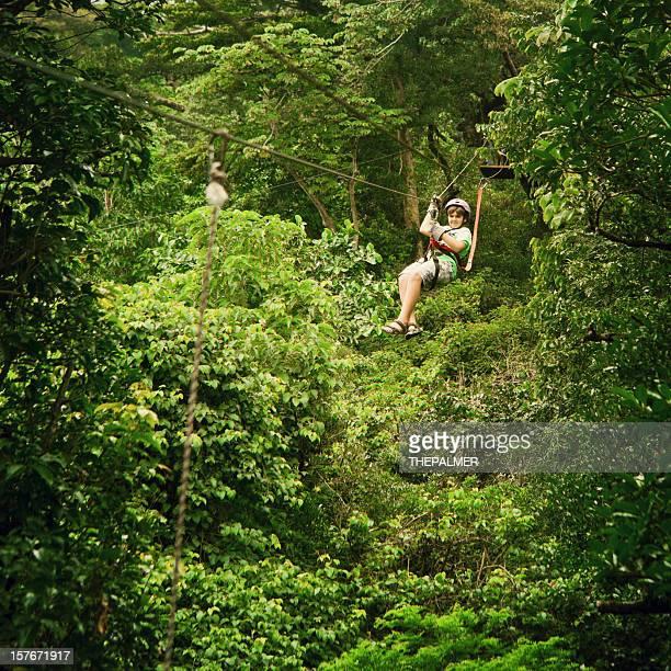 Kind auf einer Baldachin-Tour von Costa Rica