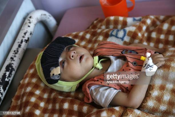 Kid receives medical aid due to malnutrition at Sabeen Hospital with limited facilities as Yemeni children face deadly hunger and aid shortages in...