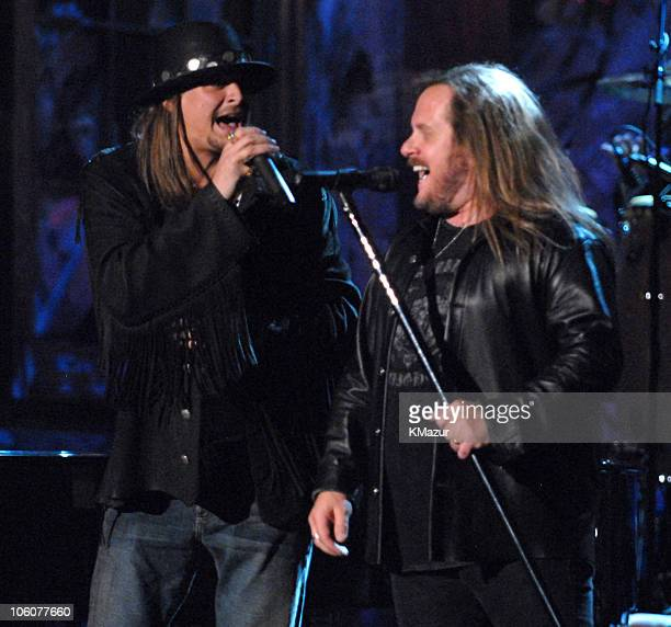 Kid Rock and Johnny Van Zant of Lynyrd Skynyrd inductees perform Sweet Home Alabama/Free Bird