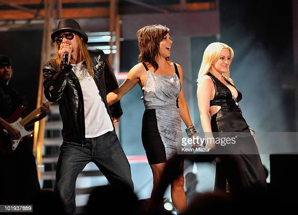 Kid Rock Martina McBride and Kellie Pickler perform onstage during the 2010 CMT Music Awards at the Bridgestone Arena on June 9 2010 in Nashville...