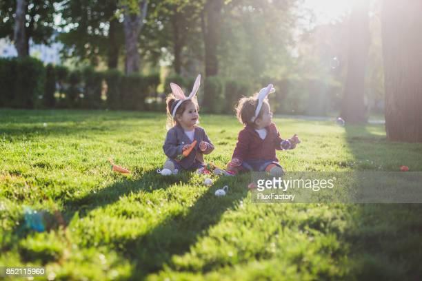 Kinder zu Ostern