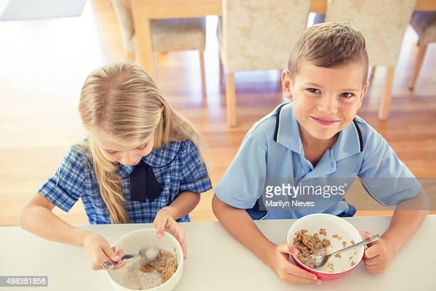 kids having breakfast before school