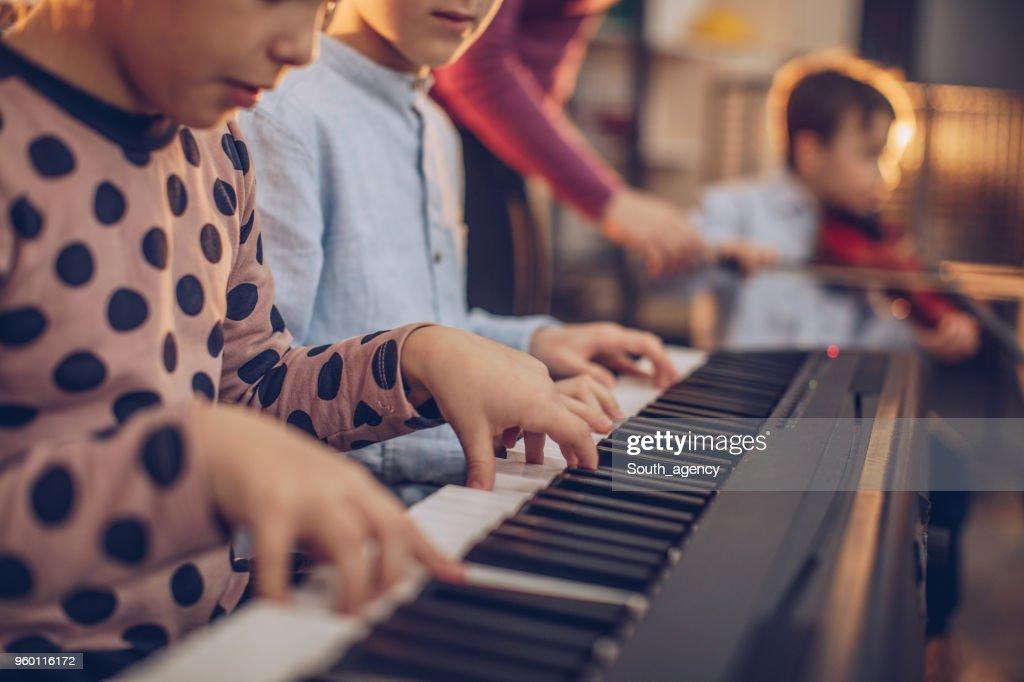 Kinder Musik machen : Stock-Foto