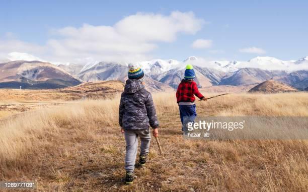 冒険の子供たち。 - ニュージーランド南島 ストックフォトと画像