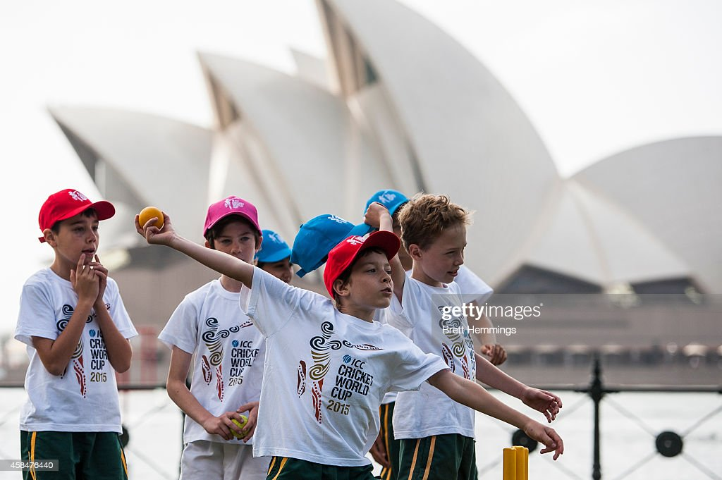 Kids play cricket during the ICC 2015 Cricket World Cup 100 days to go announcement on November 6, 2014 in Sydney, Australia.
