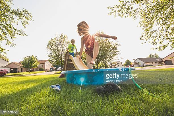 Kids playing in kiddie pool