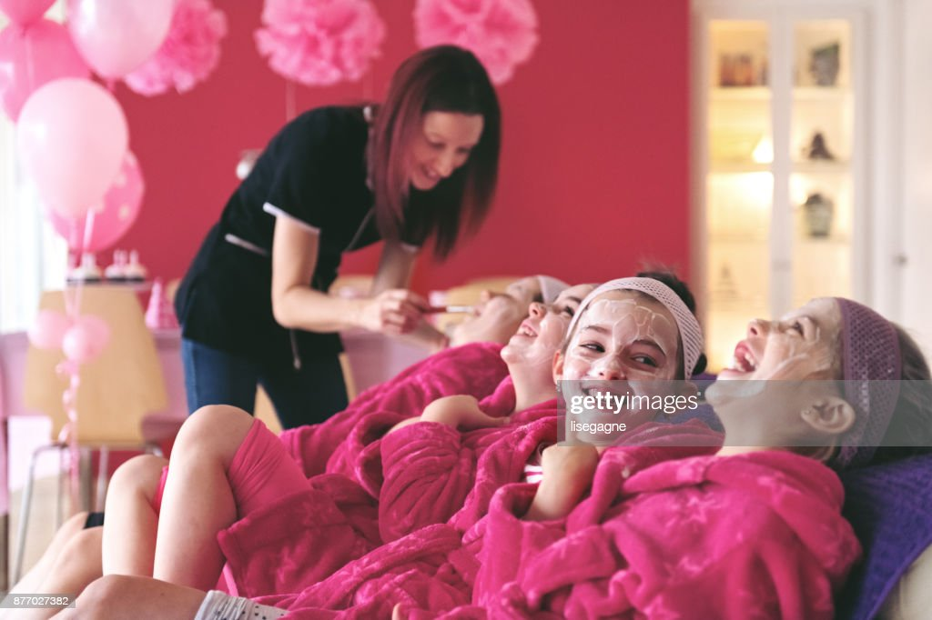 Kids Spa Birthday Party : Stock Photo