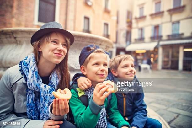 Kinderen een bezoek aan Venetië, Italië