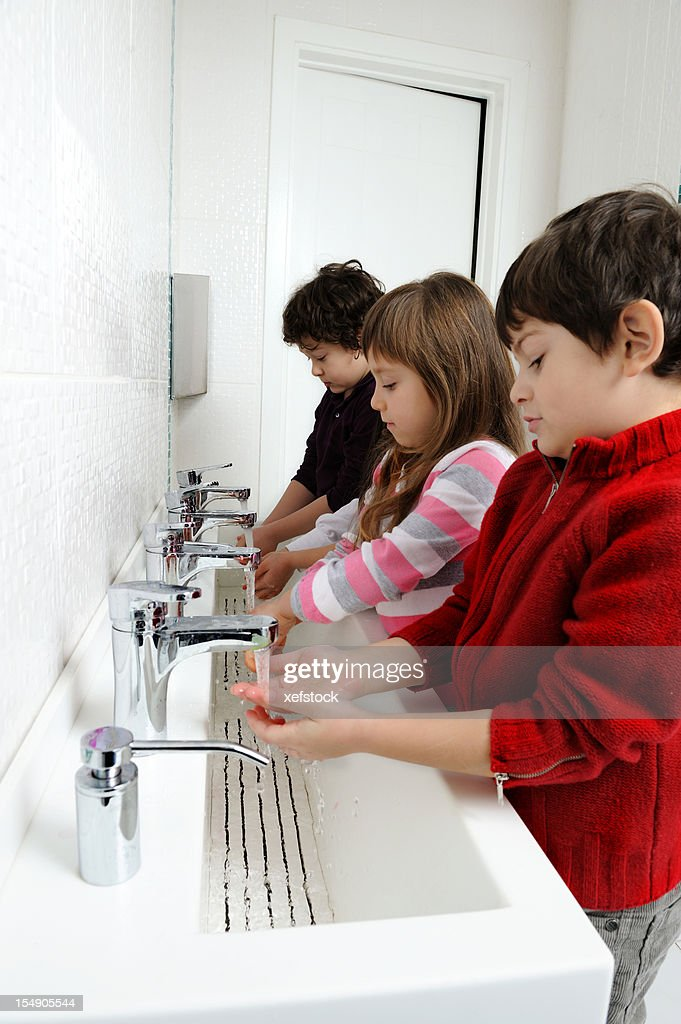 Pictures Of Kids Washing Hands
