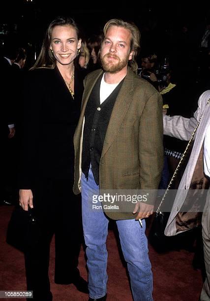 Kiefer Sutherland and Lisa Stothard during World Premiere of Bram Stroker's Dracula at Mann's Chinese Theater in Hollywood California United States