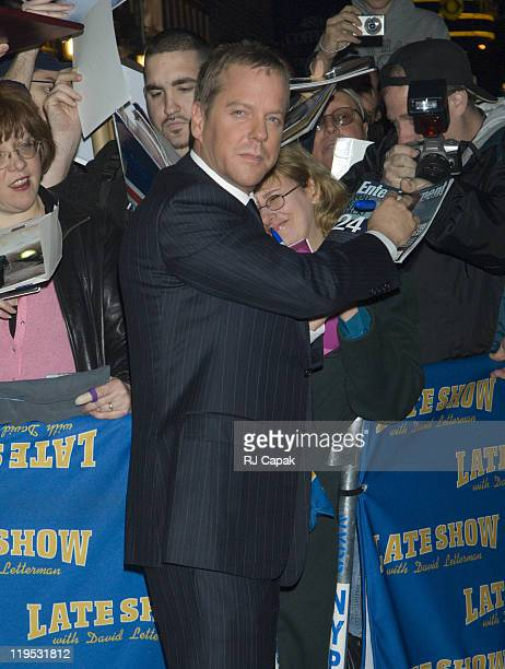"""Kiefer Sutherland during Kiefer Sutherland, Alicia Keys and Andy Samberg Visit the """"Late Show with David Letterman"""" - January 12, 2006 at Ed Sullivan..."""
