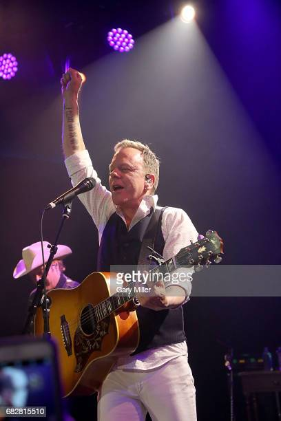 Kiefer Sutherland performs in concert at 3TEN ACL Live on May 13 2017 in Austin Texas