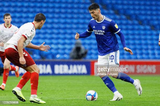 Kieffer Moore of Cardiff City ]moves into the Middlesbrough box during the Sky Bet Championship match between Cardiff City and Middlesbrough at the...