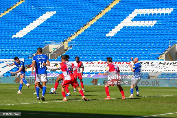 Kieffer Moore scores the second goal for Cardiff City FC during the Sky Bet Championship match between Cardiff City and Wycombe Wanderers at Cardiff...