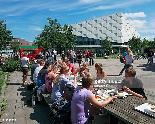 Kiel ChristianAlbrechts University Campus Audimax Auditorium Maximum students having lunch outdoors