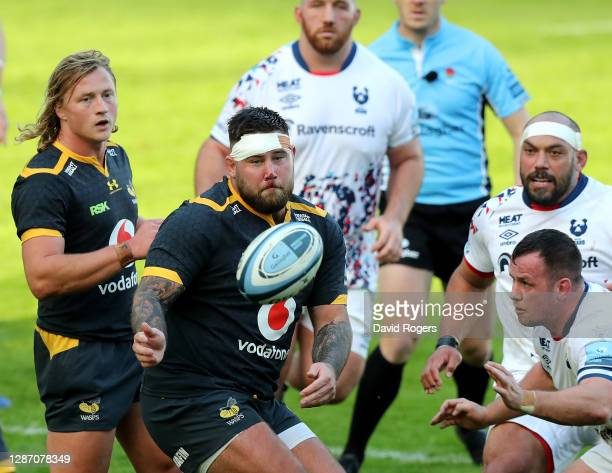 Kieran Brookes of Wasps passes the ball during the Gallagher Premiership Rugby match between Wasps and Bristol Bears at Ricoh Arena on November 22,...