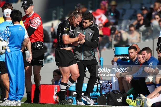 Kieran Foran of the Kiwis leaves the field with an injury during the International Rugby League Test Match between the New Zealand Kiwis and the...