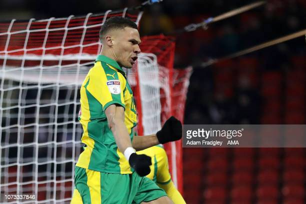 Kieran Gibbs of West Bromwich Albion celebrates after scoring a goal to make it 1-2 during the Sky Bet Championship match between Sheffield United...
