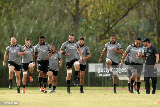 Kieran Read and the New Zealand All Blacks warm up before a All Black training session on November 20 2018 in Rome Italy