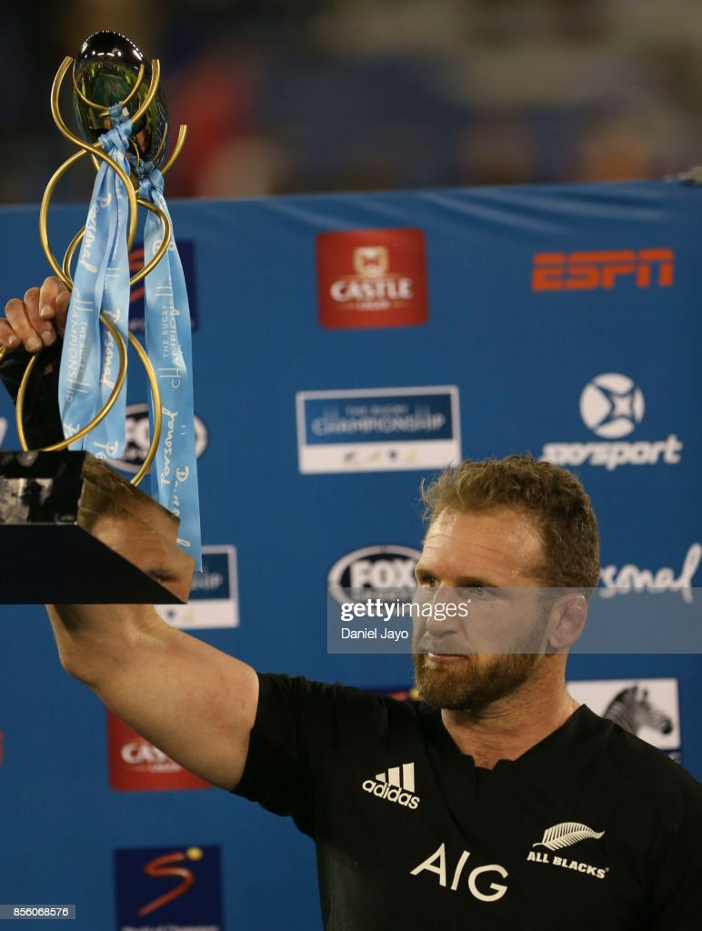 Kieran Read of New Zealand holds up the trophy after winning a match between Argentina and New Zealand as part of Rugby Championship 2017 at Jose Amalfitani Stadium on September 30, 2017 in Buenos Aires, Argentina.