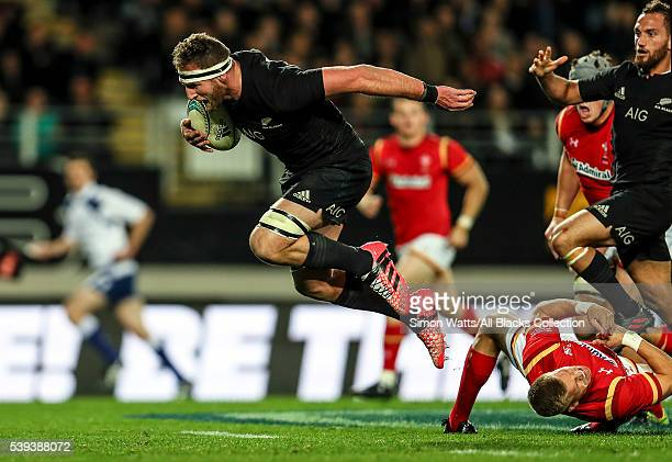 Kieran Read of the All Blacks makes a break during the International Test match between the New Zealand All Blacks and Wales at Eden Park on June 11...