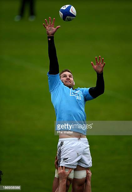 Kieran Read of the All Blacks takes the ball in the lineout during a New Zealand All Blacks training session at the Rugby Club Suresnois on November...