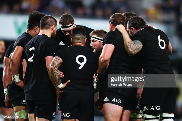 Kieran Read of the All Blacks talks to his team during The Rugby Championship Bledisloe Cup match between the New Zealand All Blacks and the...